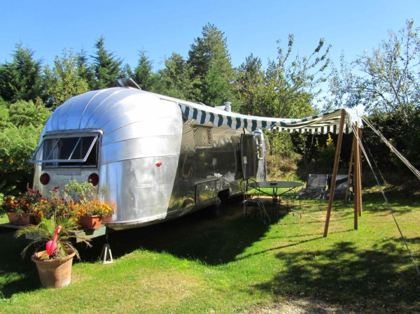 Collectic Vintage - Accommodation Retro Airstream Trailer Park 2